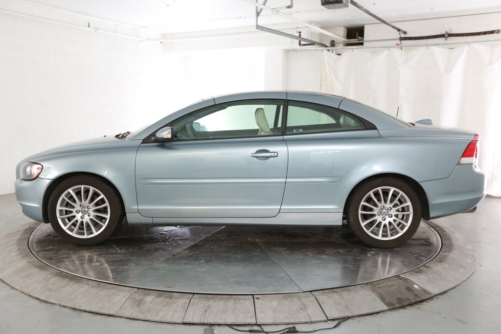 Pre-Owned 2007 Volvo C70 T5